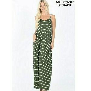 🆕 NWT Stripe Maxi Dress